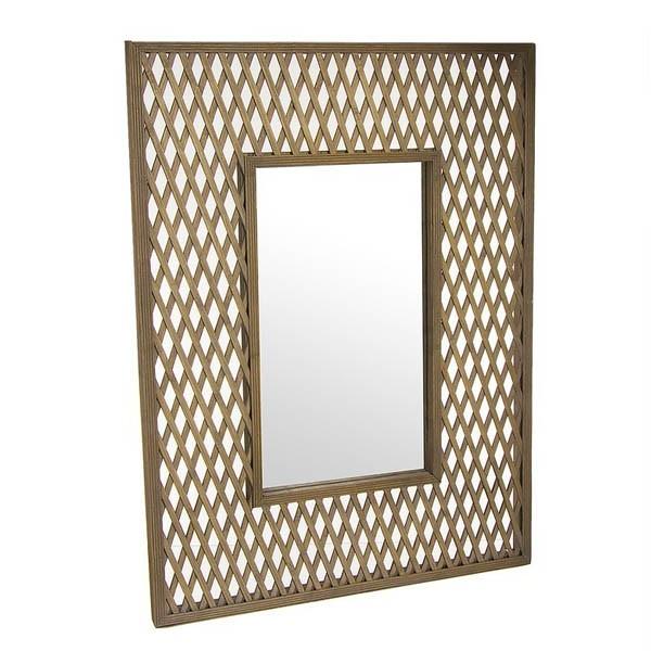 Espejo de pared con marco de bambú en celosía.